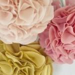 Medžiaginės gėlės gali tapti namų puošmena