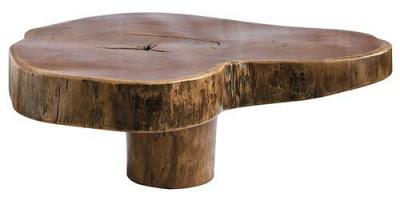 staliukas iš medžio kamieno