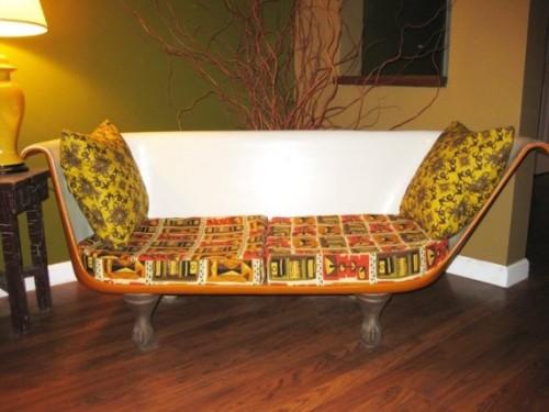 sena vonia - nauja sofa, gelsva