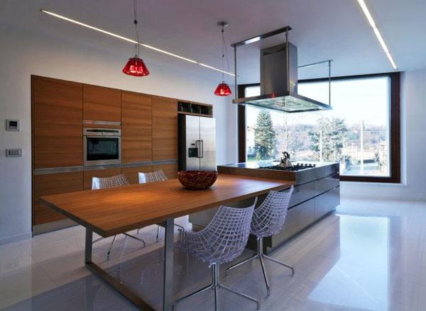 siuolaikine virtuve medis baltos sienos