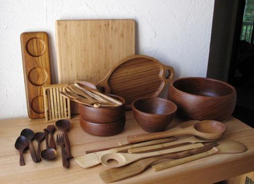 mediniai saukstai, dubeneliai, maisto pjaustymo lenteles