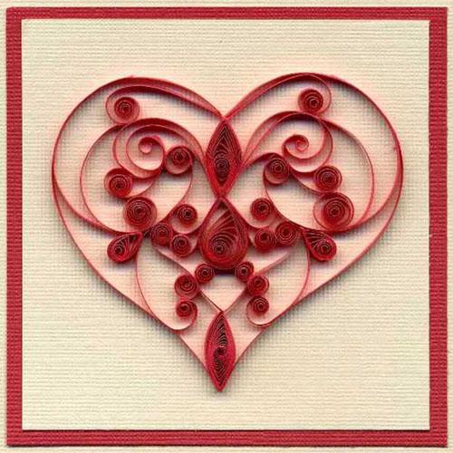 raudona sirdele suvyviota is popieriaus