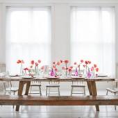 puikus stalo papuošimas gėlėmis