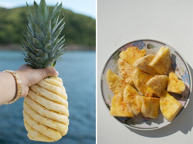 čili, druska, ananaso gabaliukai lėkštėje