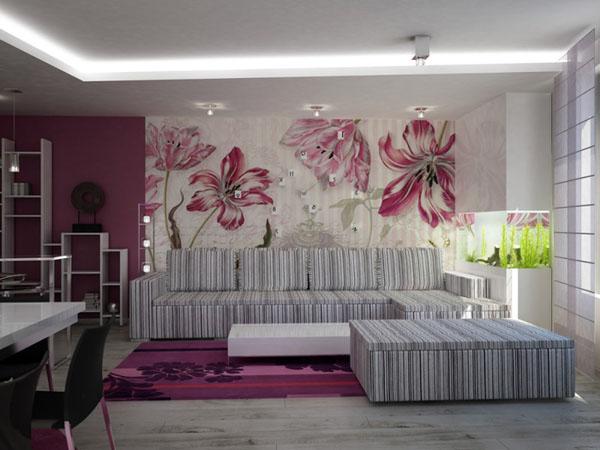 violetinės gėlės ant sienos