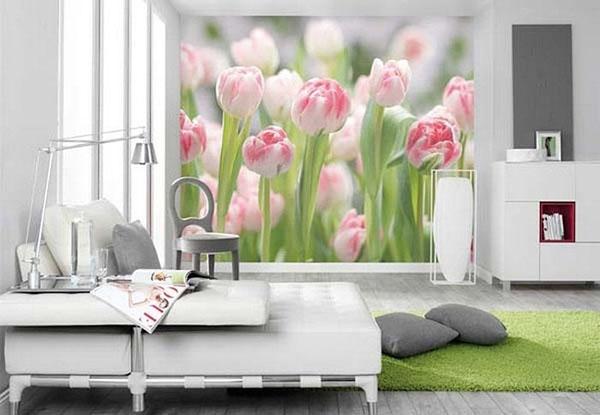 tulpės ant sienos miegamąjame