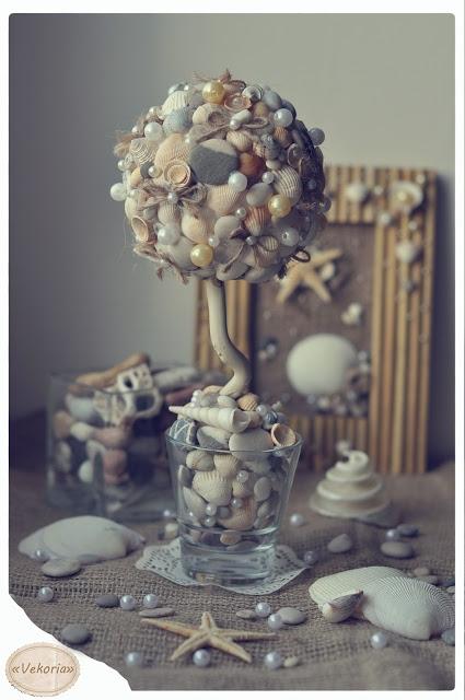 dekoratyvinis medelis iš kriauklių, akmenėlių