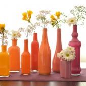 dažyti buteliai, vazelės