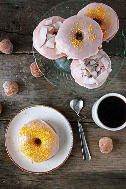 keksiukai, kava, geltona inspiracija