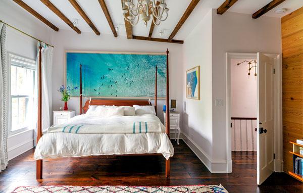miegamasis, medinės sijos ant lubų