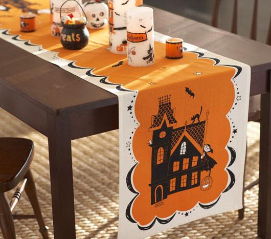 halovyno staltiesele ant stalo