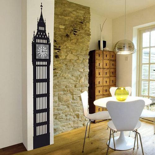 piestas laikrodis bokstas ant sienos