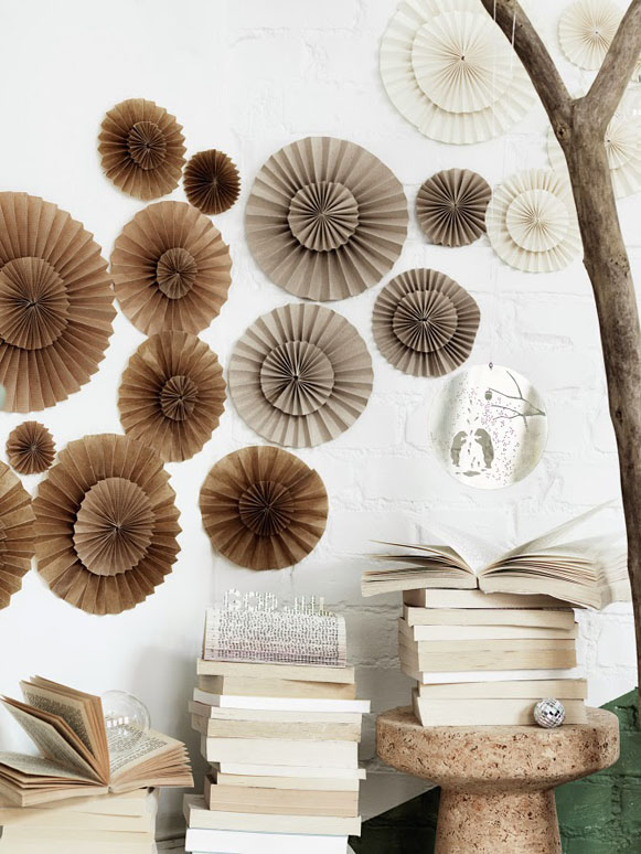 atverstos knygos popierines dekoracijos