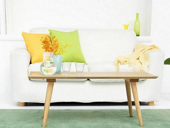 oranziniai gelsvos geles staliukas