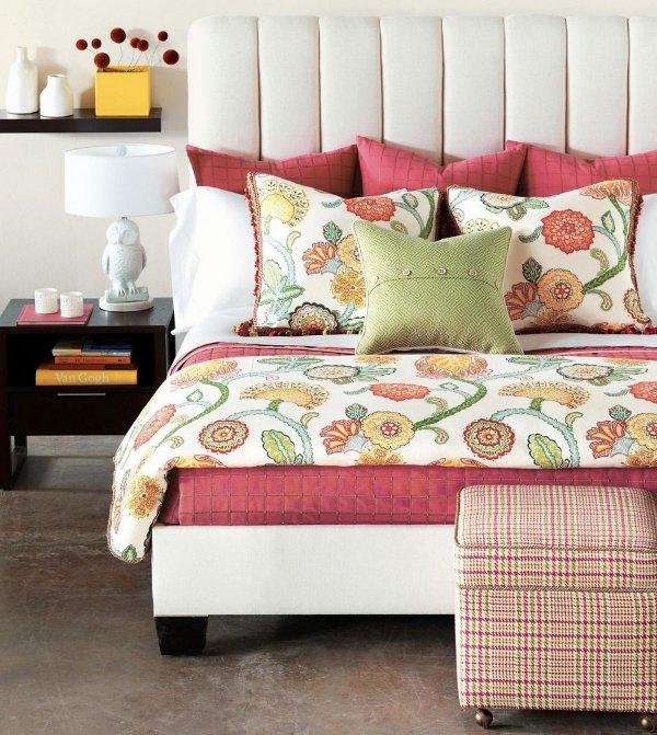 Lovos su puikiais užvalkalais, pagalvėmis miegamuosiuose