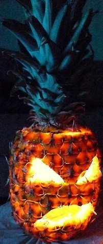 helovyninis ananasas
