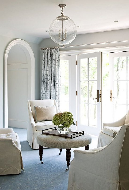 simple-white-interior-design-sitting-area
