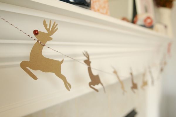 Reindeer-Garland-3