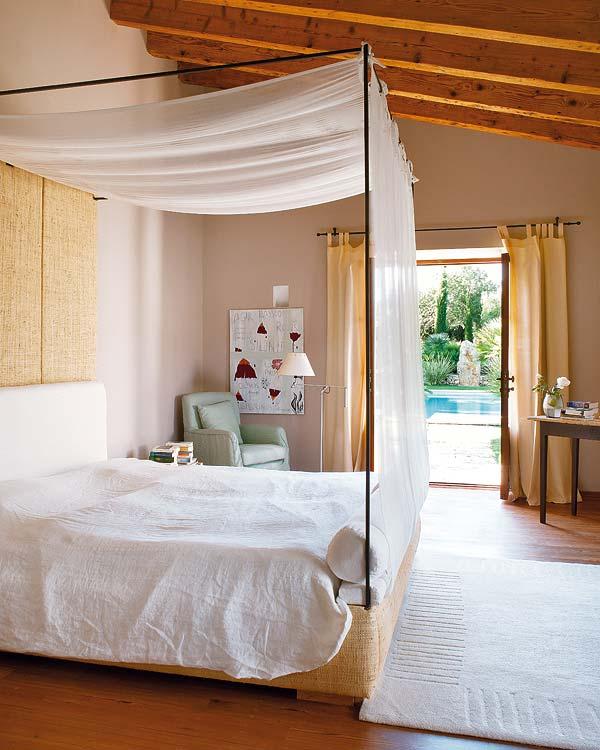 miegamasis-lova-balta